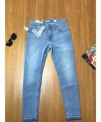 Женские джинсы Mustang  1